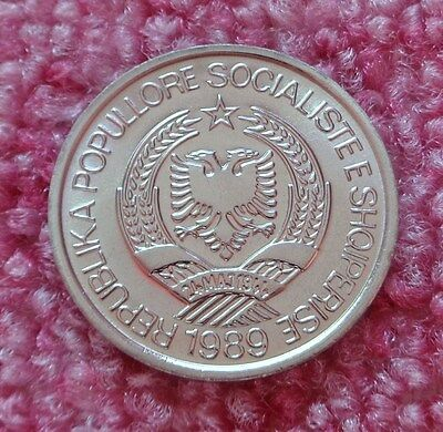 Uncirculated full of lustre Albania 1989 2 Leke Communist Socialist Albania coin