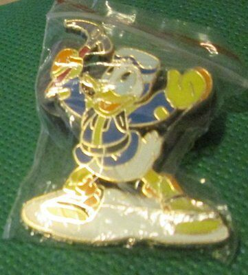 Disney DONALD DUCK from Expedition Everest return Treasure pinback trading pin