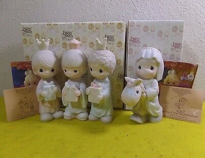 Enesco Precious Moments Wee Three Kings & Making A Trail Bethlehem Figurine