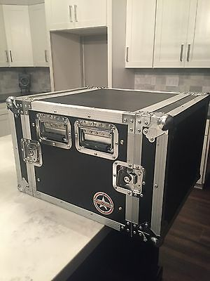 road runner 8 space heavy duty ata style road case.