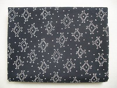 70cm x 110cm Black & White - Abstract - Cotton Fabric Material