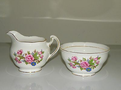 Vintage retro pretty floral Colclough matching sugar bowl and milk jug