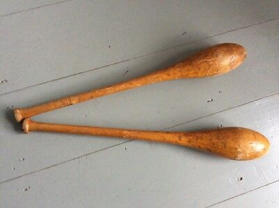 VINTAGE INDIAN WOOD EXERCISE/JUGGLING CLUBS DISPLAY COLLECTIBLE - Size 1