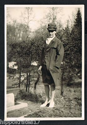FOTO vintage PHOTO, Frau mit Hut, woman with hat femme chapeau /90