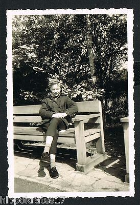 HAMBURG, Foto vintage Photo, Frau im Stadtpark, woman (30) - 2 Fotos