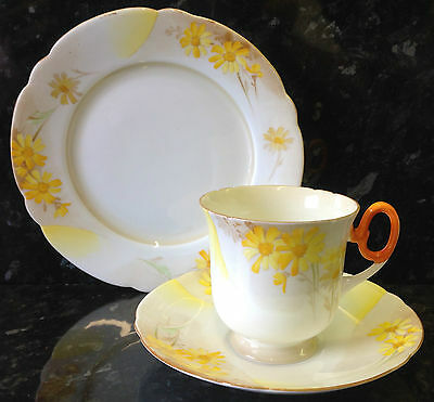 "Shelley Court Shape ""Yellow Daisies"" Pattern Tea Cup Trio."