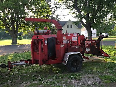 1997 bandit 200+ wood chipper john deer diesel 12 inch chipper
