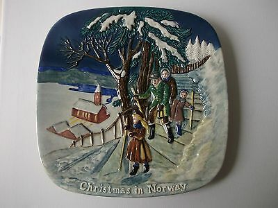 Royal Doulton Collector Plate Christmas in Norway