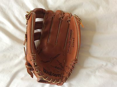 Wilson mitt (for left hand) A2644 Signature Edition (youth size) + new baseball