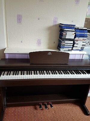 Yamaha arius digital full piano 88 key hammer weighted keyboard picclick uk for Yamaha fully weighted keyboard