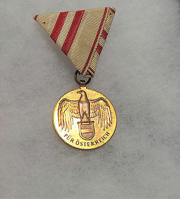 WW1 Original Austrian War Commemorative Medal With Ribbon