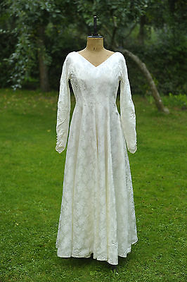 STUNNING 1950s wedding dress, white, full length, long sleeve, Hepburn - Size 10