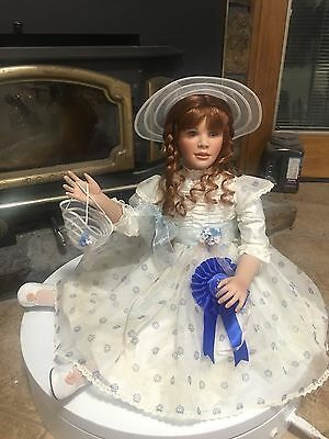Artist Gwen Mcneill Limited Le Delphine Porcelain Doll Award Nominee