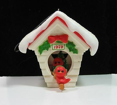 1979 Hallmark READY FOR CHRISTMAS Birdhouse Cardinals ORNAMENT Tree Trimmer BOX