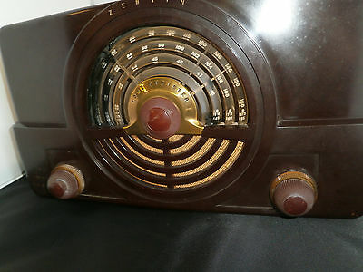 Vintage/Antique ZENITH  Bakelite Tube Radio Working