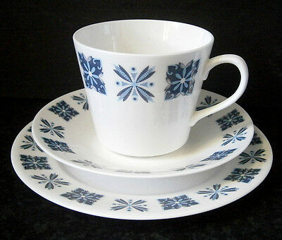 VINTAGE ROYAL VALE by RIDGWAY ENGLISH BONE CHINA CUP, SAUCER & PLATE TRIO 8444