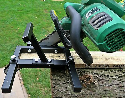 Vertical chainsaw mill Portable attachment Timber planks