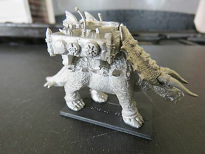 Games Workshop Warmaster Lizardmen Stegadon 1 figures A