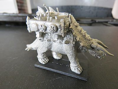 Games Workshop Warmaster Lizardmen Stegadon 1 figures B