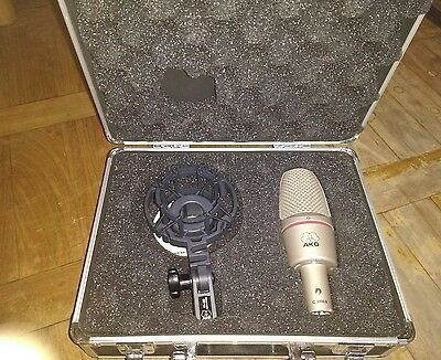 AKG Vocal Condenser Mic C 3000 B and shock mount, new