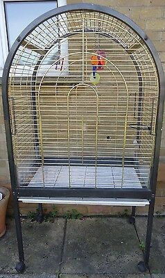 Large Bird Parrot cage on wheels pick up kent