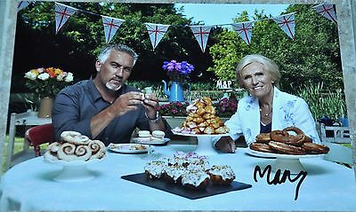 """Mary Berry Signed 12"""" x 8"""" Photo Great British Bake Off"""
