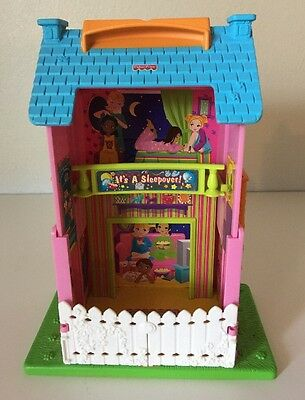 Fisher Price Sweet Streets Go Anywhere Surprise Inside Sleepover Play House RARE