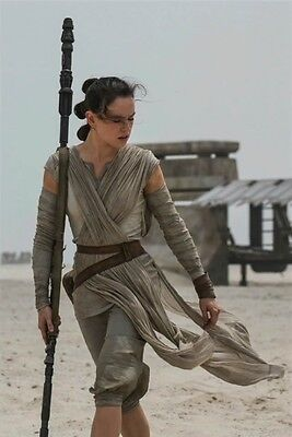 Star Wars The Force Awakens Daisy Ridley Rey collectibles picture  8x10 photo 1