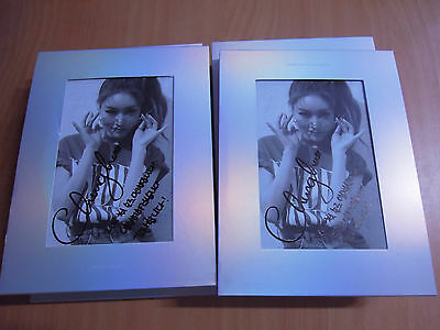 CHUNGHA - Hands On Me (1st Mini Promo) with Autographed (Signed)
