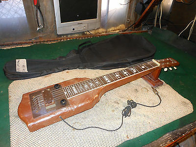 1947 Supro Supreme Lap Steel Guitar w/ Original Case. Made in Chicago by Valco.