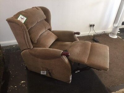 """riser recliner CELEBRITY  """" FREE DELIVERY  AND FITTING"""