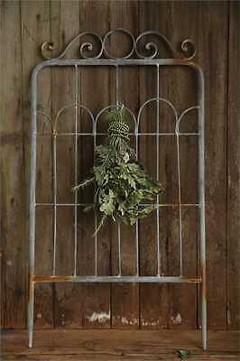 Antique Style Rustic  Distressed Iron Fence Wall Decor W/ Hook,36''H