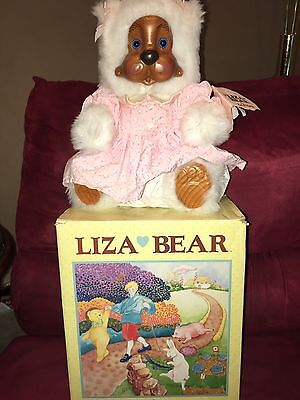 Robert Raikes Liza  Stuffed Bear 1989 With Beautifully Carved Wooden Face
