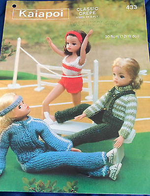 Teenage DOLLS CLOTHES vintage knitting pattern 4 ply fingering Kaiapoi #433