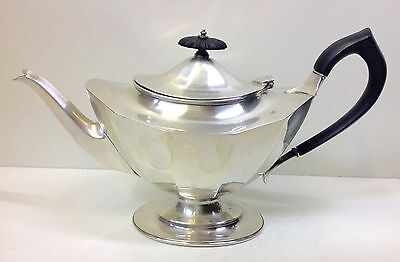 Solid Silver Tea Pot 642g. Harrison & Howson Sheffield 1919.