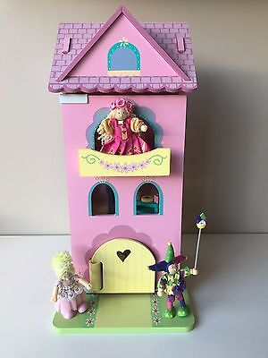 Le Toy Van wooden 4 storey dollhouse with dolls and furniture