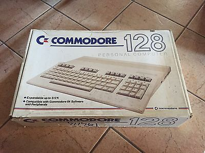 Retro Computer vintage Commodore 128