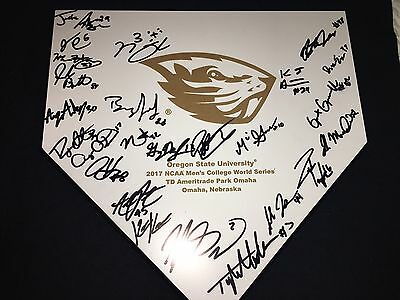 OREGON STATE BEAVERS 2017 team signed Base LIMITED EDITION College World Series