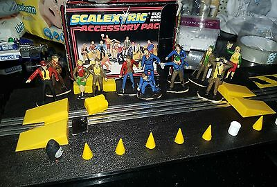Vintage Scalextric Accessory pack with painted figures C706 Rare