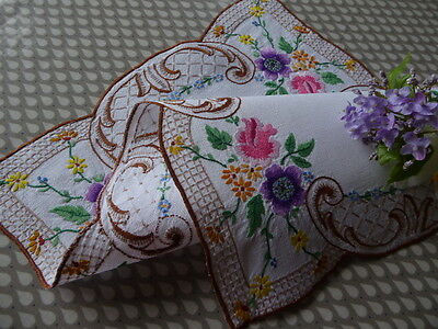 Vintage Hand Embroidered Traycloth/ Table Topper  - Fabulous Floral Work
