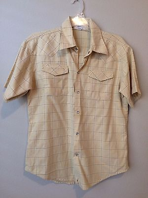 Men's Yellow BENCH Short-sleeved, button-up shirt. Size Large