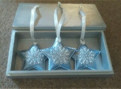 Handpainted 3 Blue Ceramic  Decorations in Wooden Gift Box, VGC