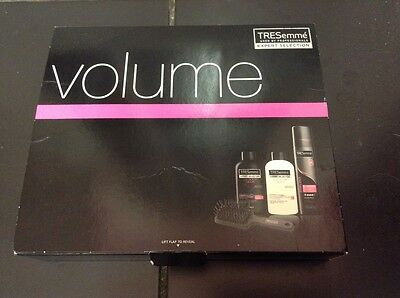 TRESemme 24 Hour Body 4PC Gift Set (Shampoo, Conditioner, Hairspray, Brush)