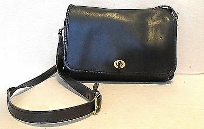 COACH Vintage Black Leather Cross Body Shoulder Bag, 9812