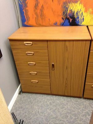 4 Mid-Century Chest Of Drawers By Schreiber