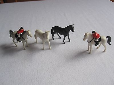 ERTL Farm Country Horses with Riders