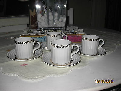 """set of 4 """"Alfred Meakin"""" Gold Laurel coffee cups and saucers"""