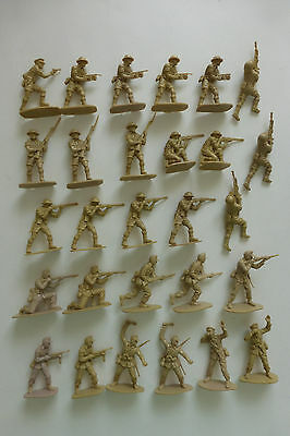 Vintage Airfix 1 32 German Africa Korps & British 8th Army 28 Figures