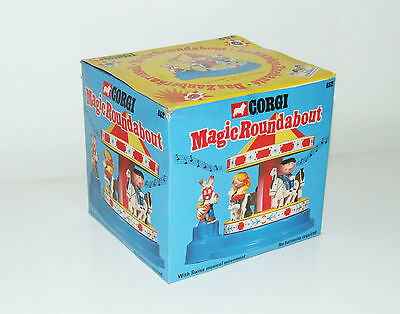 CORGI  852 Magic Roundabout Carousel 1972 with Swiss Musical Movement