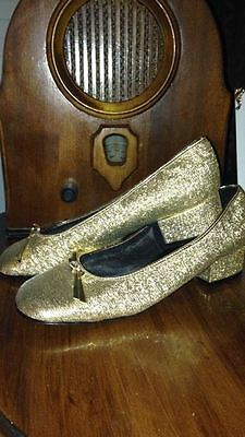 Vintage 1960s Ladies Gold Shoes